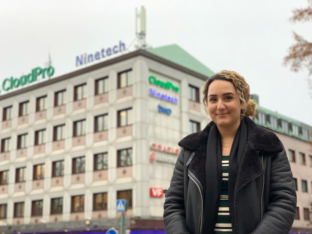Julia Dora ansluter till CloudPro som IT-projektledare.